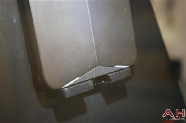 努比亚游戏手机真机实拍:真有四颗风扇的照片 - 7