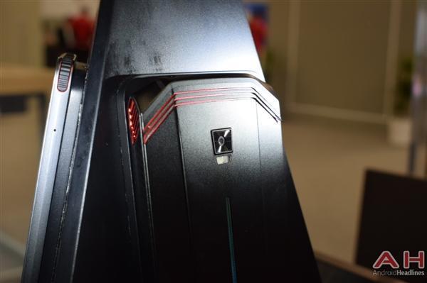 努比亚游戏手机真机实拍:真有四颗风扇的照片 - 2