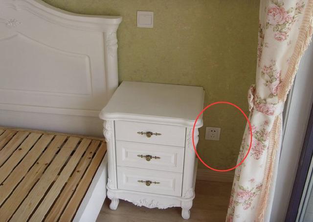 新房入住头一天,看到这些插座气得想搬出去