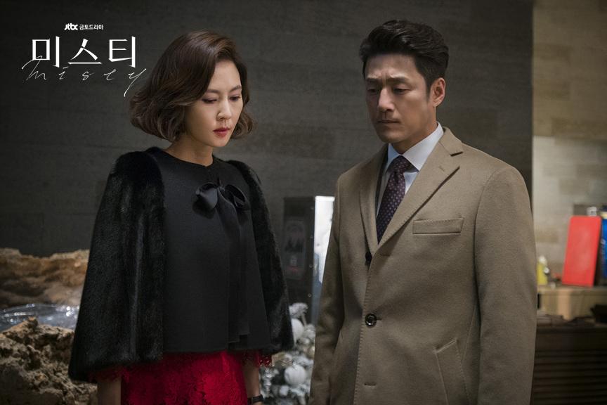 豆瓣9.3分的韩剧《迷雾》:是谁杀死了凯文李?