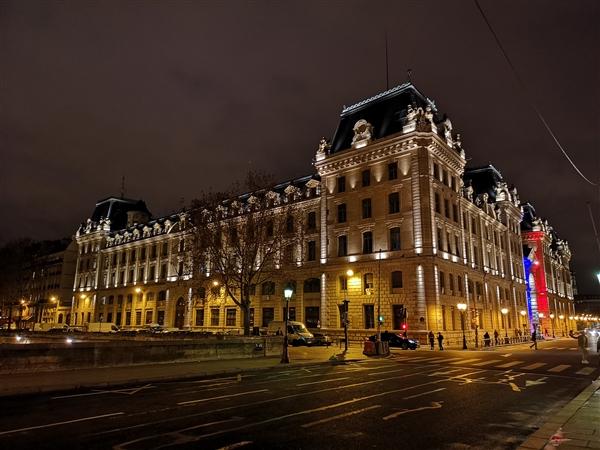 华为三摄P20 Pro巴黎街拍:夜景无敌 谁敢比?的照片 - 18