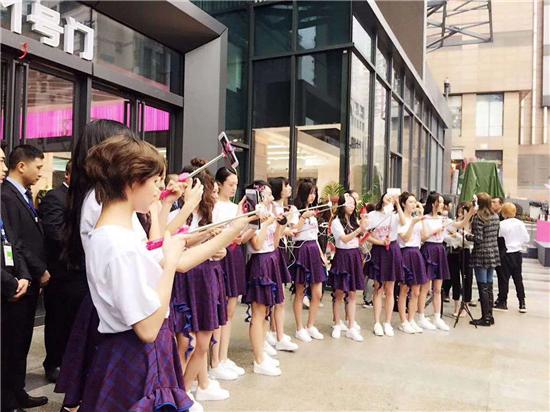 大融汇今日开门迎客 CGC PARK女孩成功首秀