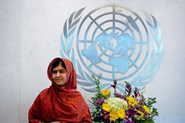 马拉拉返巴基斯坦 巴基斯坦网友赞扬她是国家英雄
