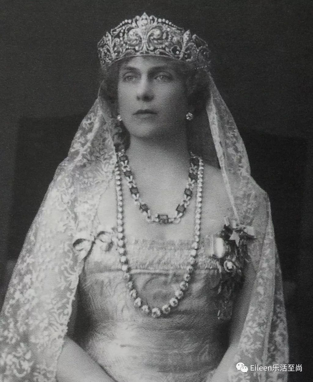 法国贵族姓氏_32岁嫁英俊国王,5次小产命运作弄,她用温柔坚韧写就爱情童话