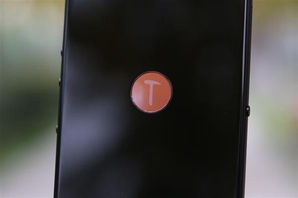 黑色坚果3真机曝光:三边等宽全面屏、前置扁圆指纹的照片 - 1