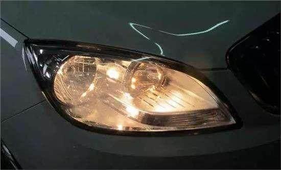 氙气、LED大灯这么普及,为什么很多新车上还配备卤素大灯?