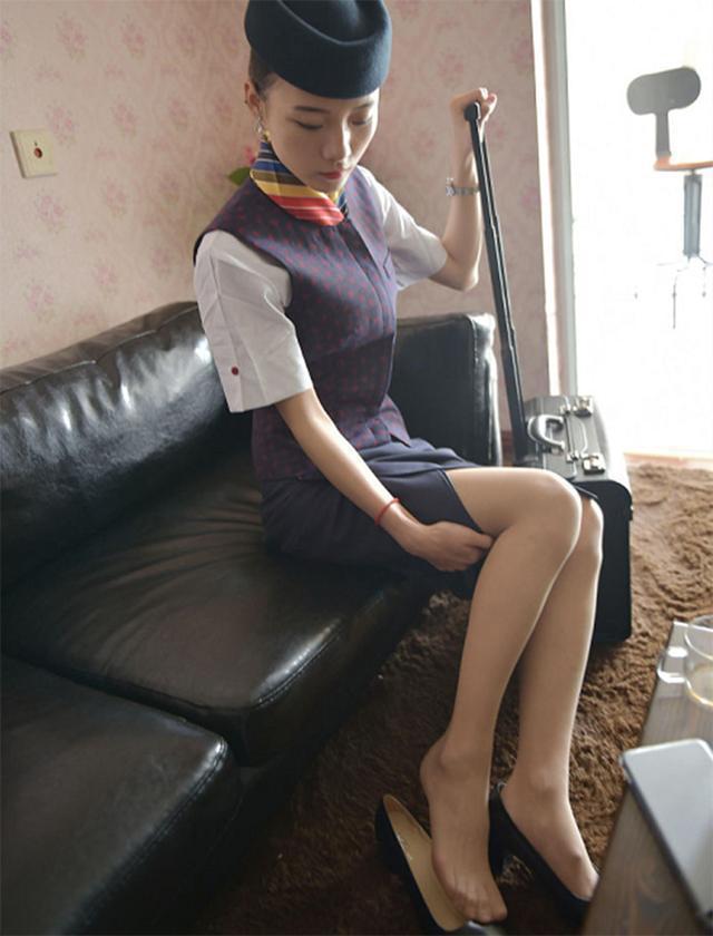 空姐脚下每天穿的丝袜及连裤袜和传统裤袜有什么区别?