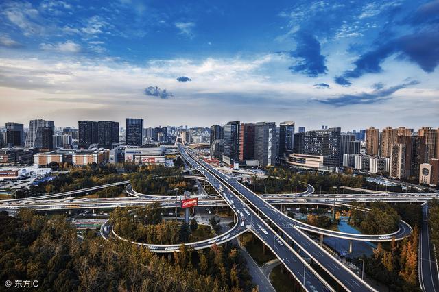 武汉经济总量和成都相比_武汉经济开发区规划图