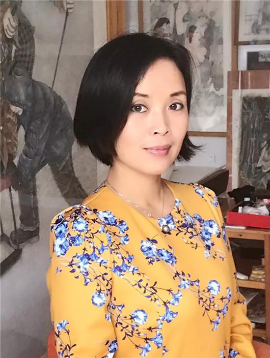 艺美视界网艺术家推荐一张怀月・用作品彰显生命的美感的艺术家