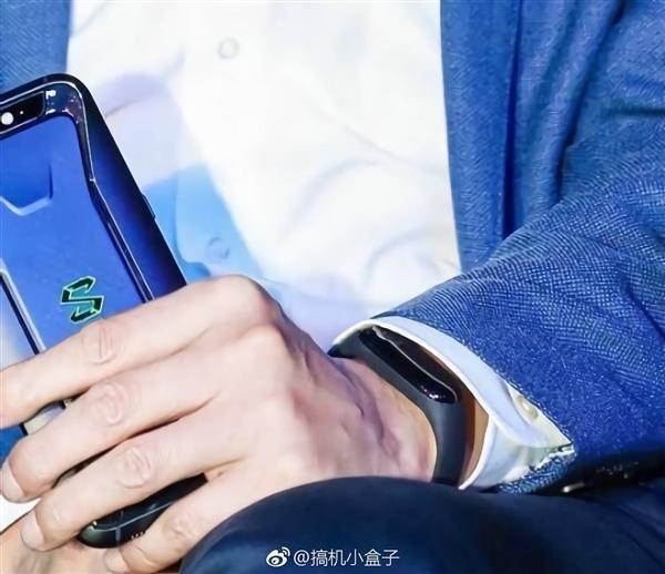 小米手环3外观、功能大曝光:配触控屏、支持NFC的照片 - 2
