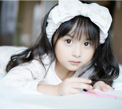 世界最漂亮的小女孩_全球最美的8位小女孩,中国的小孩最漂亮,日本的最丑!