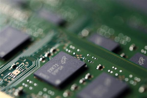 7nm工艺、4400MHz频率 飞一般的DDR5内存来了的照片 - 1