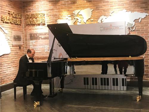俄罗斯艺术家伊戈尔X德国施坦格列泊钢琴跨界演奏