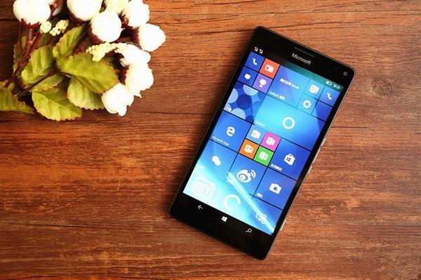 Lumia 950 XL成功运行Win10 ARM系统:下一步搞定exe
