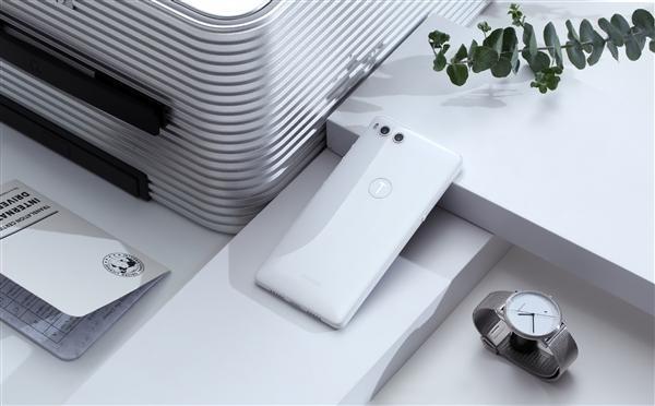 """""""全世界最好看的白色手机""""坚果R1官方图赏的照片 - 3"""