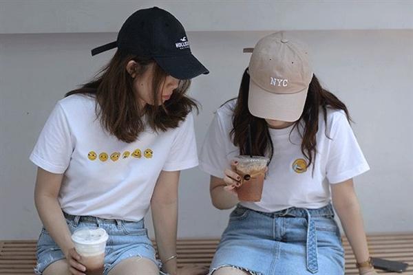 微信官方黄脸T恤上新:表情包太萌的照片 - 4