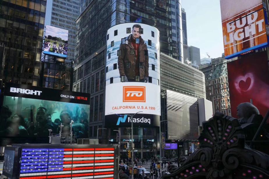 专业户外创新者TFO强势登陆美国时代广场大屏幕!
