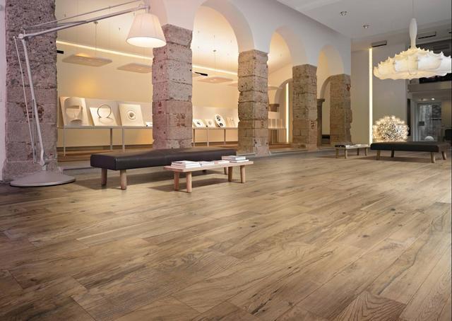 新房装修铺传统木地板早过时了,