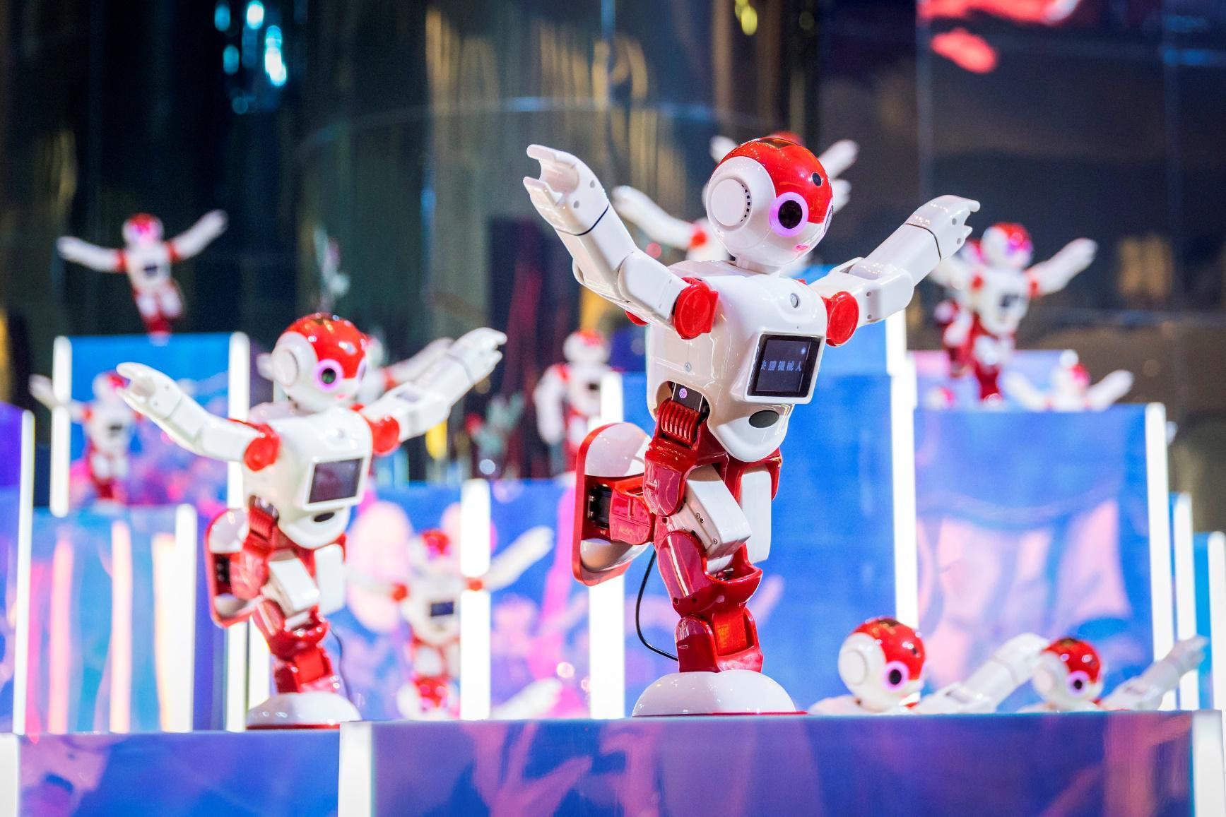 新濠天地隆重呈献「决胜机器人」大型装置展-焦点中国网