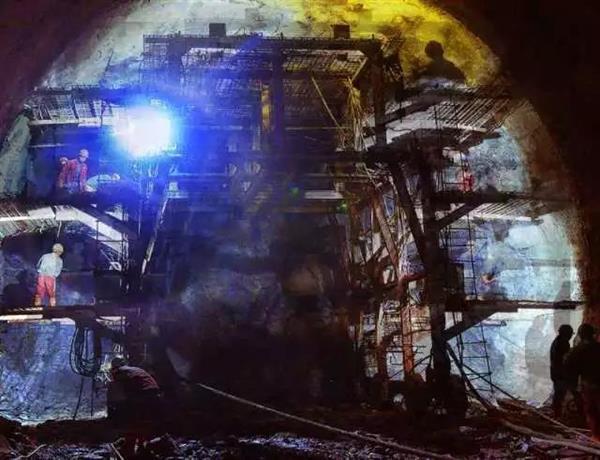 重载之最!蒙华铁路超级隧道贯通:提前5个月的照片 - 6
