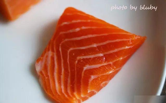 你吃的是三文鱼,还是寄生虫?看完吓出一身冷汗……的照片 - 30