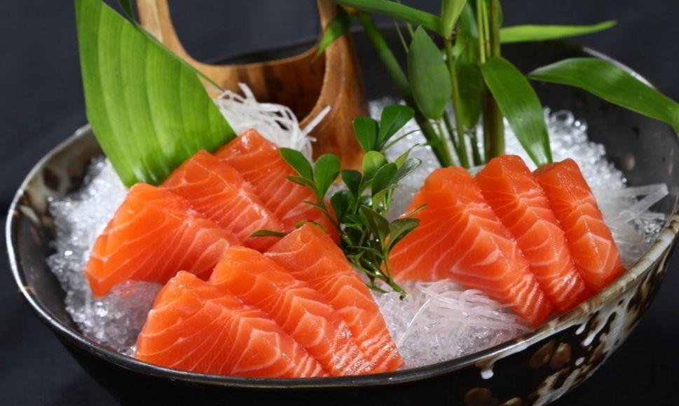 你吃的是三文鱼,还是寄生虫?看完吓出一身冷汗……的照片 - 1