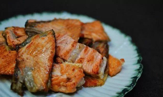 你吃的是三文鱼,还是寄生虫?看完吓出一身冷汗……的照片 - 44