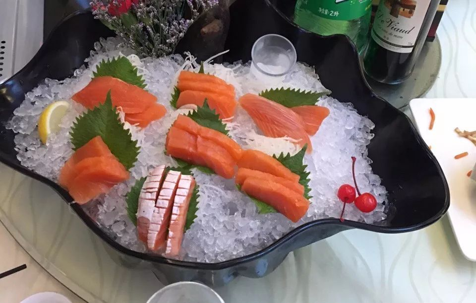你吃的是三文鱼,还是寄生虫?看完吓出一身冷汗……的照片 - 36