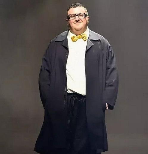 男士有什么不显小肚子的穿搭吗?