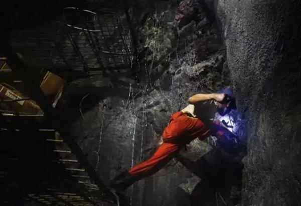 重载之最!蒙华铁路超级隧道贯通:提前5个月的照片 - 5