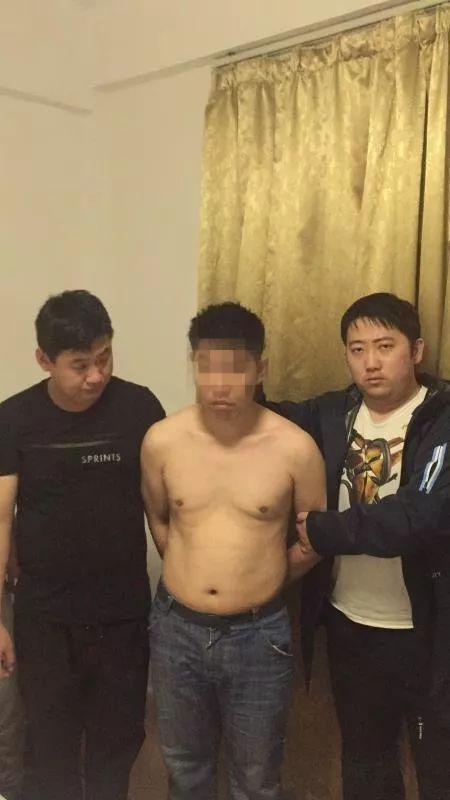 杭州警方捣毁多个涉黄App 女大学生在宿舍开直播的照片 - 4