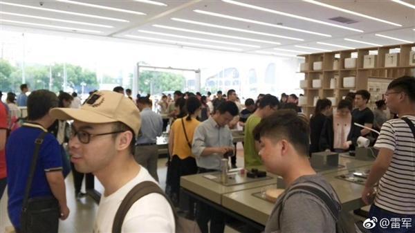 雷军晒中国最大小米之家旗舰店:6月16日正式开业的照片 - 6