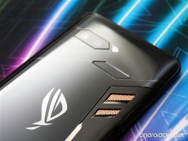 华硕ROG电竞游戏手机发布:骁龙845+512G存储的照片 - 2