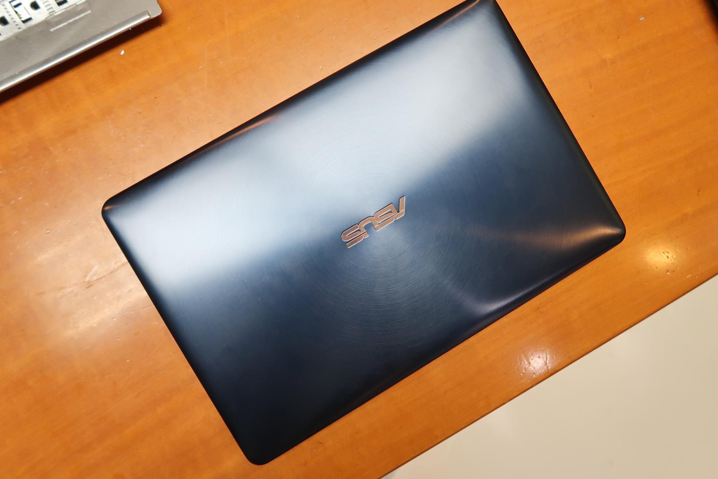 华硕灵耀X Pro上手体验:多一块屏幕 能否逆袭MacBook Pro?的照片 - 2
