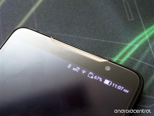 华硕ROG电竞游戏手机发布:骁龙845+512G存储的照片 - 8