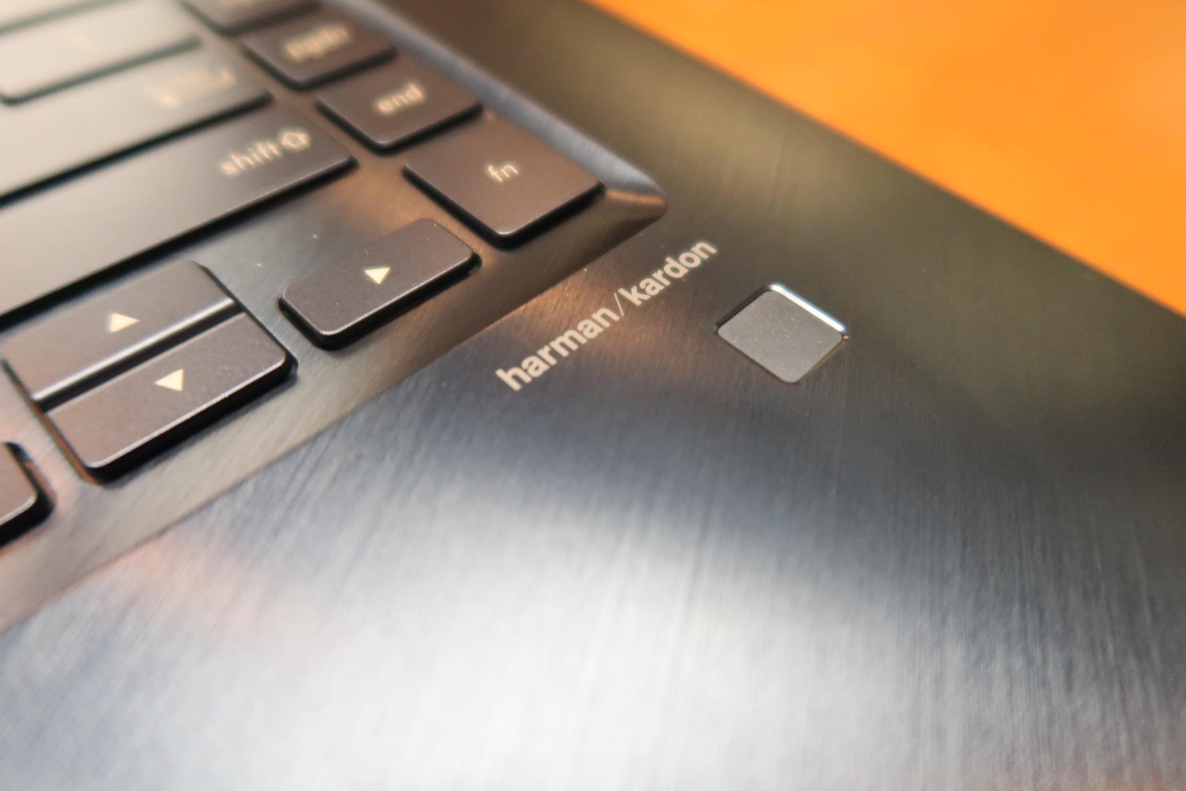 华硕灵耀X Pro上手体验:多一块屏幕 能否逆袭MacBook Pro?的照片 - 5