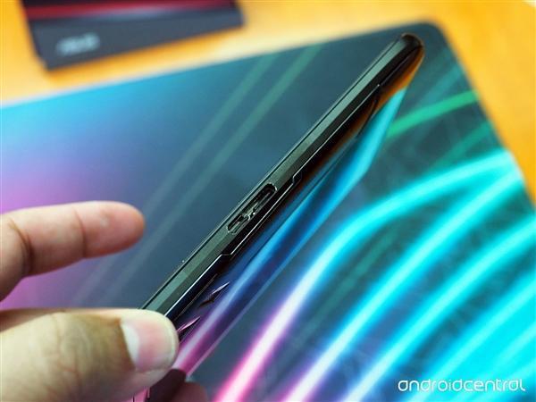 华硕ROG电竞游戏手机发布:骁龙845+512G存储的照片 - 13