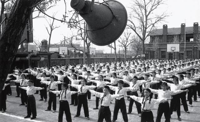 老照片:140多年前风靡日本的运动,67年前被引入中国