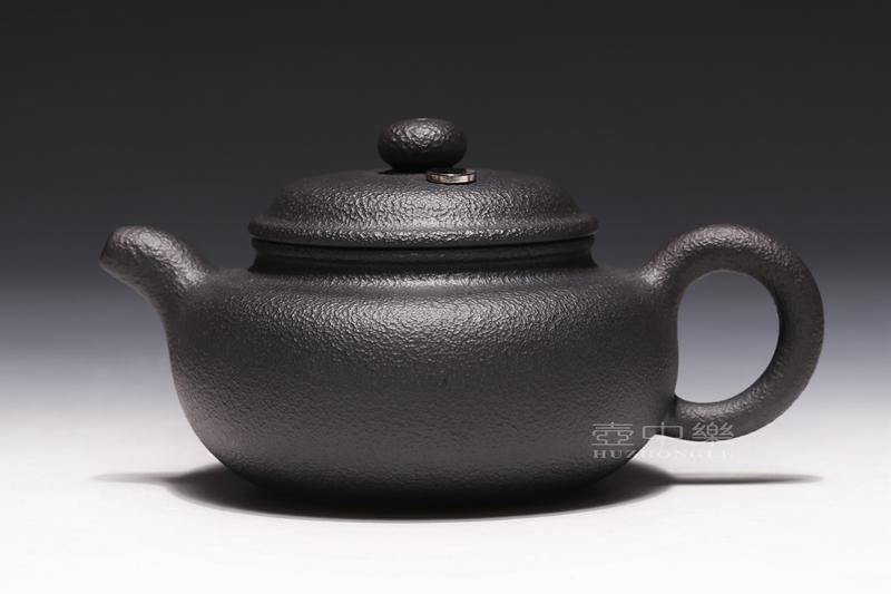 宜兴紫砂壶-姚华君紫砂壶-黑铁砂仿古(高含铁紫砂)