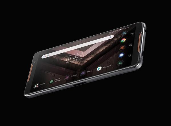 """2.96GHz""""鸡血版""""骁龙845:华硕ROG游戏手机性能彪悍的照片 - 1"""