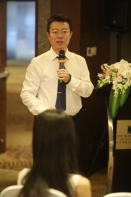 UNH联合美国厚仁教育举办接收中国高考新闻发布会