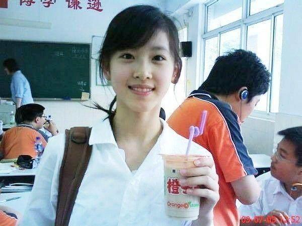 奶茶妹妹父亲曝光,没想到来头这么大,数10亿身家由刘强东继承?