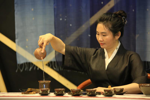 台湾工艺匠人之作 深圳茶博会耀眼登场