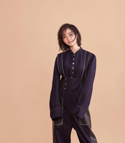 毛晓彤最新时尚造型秀,穿吊带裤的她才是颜值巅峰,贼好看
