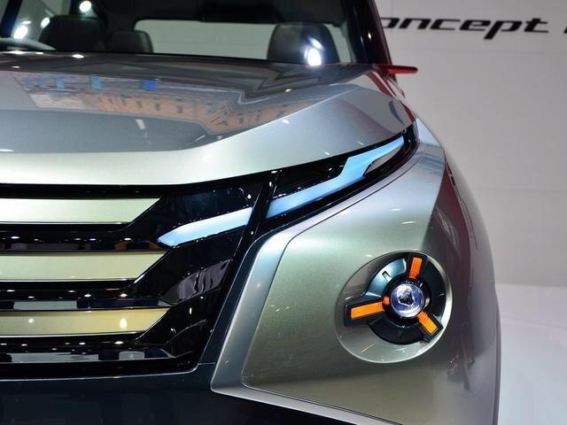 三菱终于火了,新车不足23万有100万的气势,V6+四驱,买啥普拉多