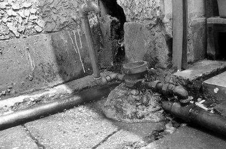 自来水管清洗为什么越来越多人重视了?
