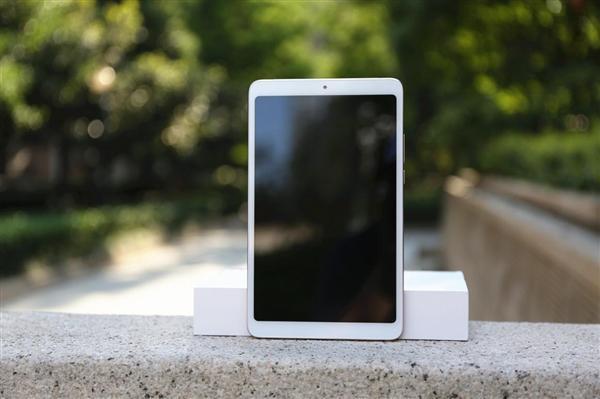 小米平板4 LTE版首次开售:1499元的照片