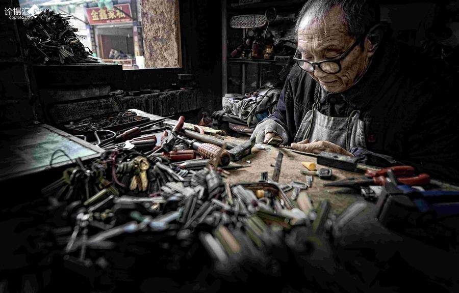 智能锁代替机械锁,锁匠还有何意义