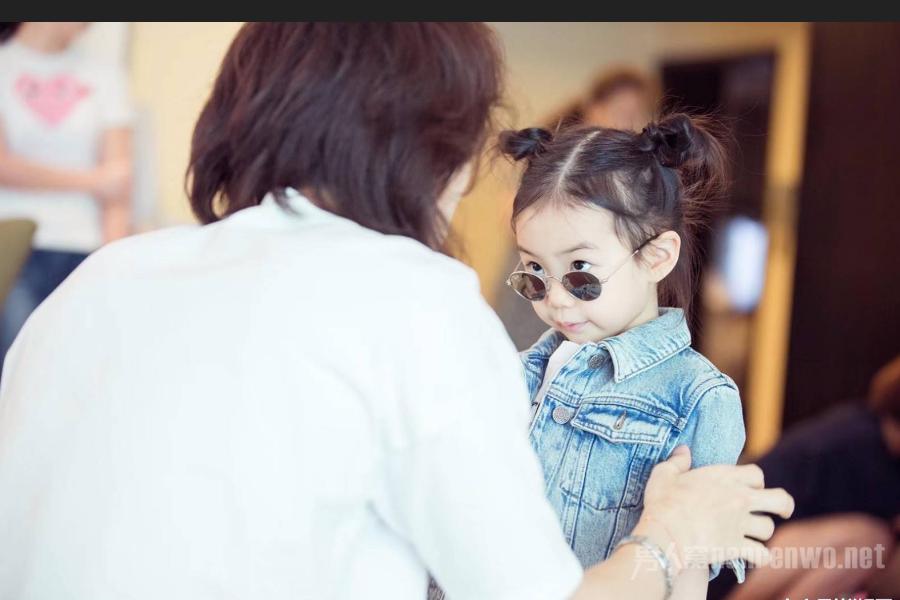 戚薇的女儿和自己长着同一张脸,与爸爸上综艺实力圈粉