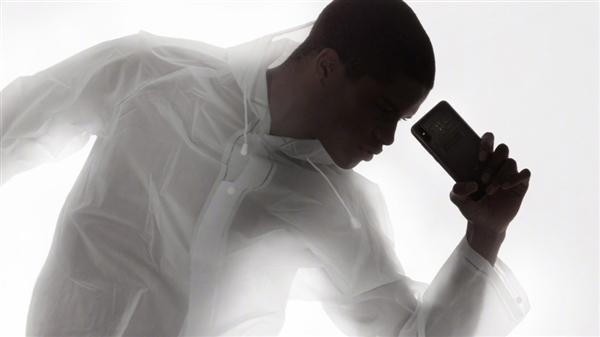 背部销魂!小米8透明探索版高清官图:3699你买吗?的照片 - 1